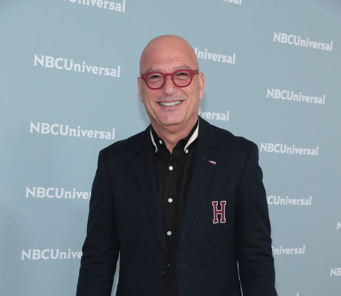 Simon Cowell's Soft Side! Howie Mandel Reveals What You Don't See on…