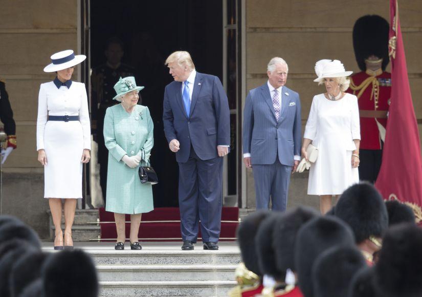 donald-trump-queen-mega