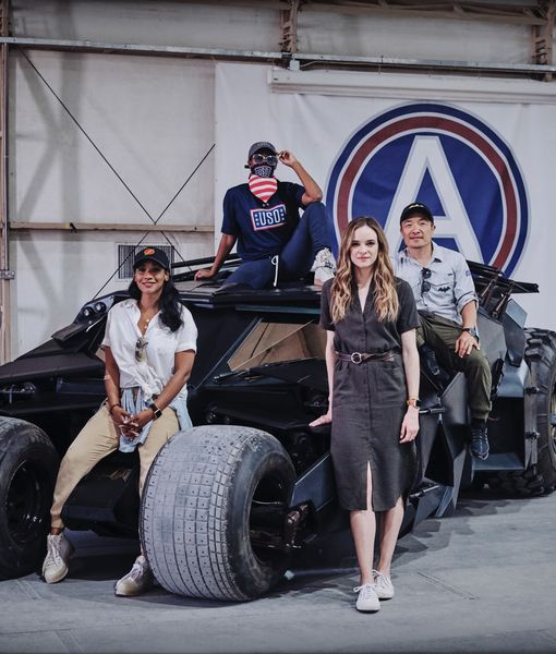 'Flash' Stars Candice Patton, Danielle Panabaker and DC Team Visit Troops in…