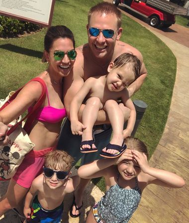 Melissa Rycroft Gets 'Really Sick' After Dominican Republic…
