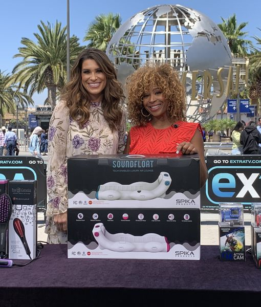 'Extra's' Christmas in July Pop-Up Shop: Brushes, Pool Loungers, and Wireless…
