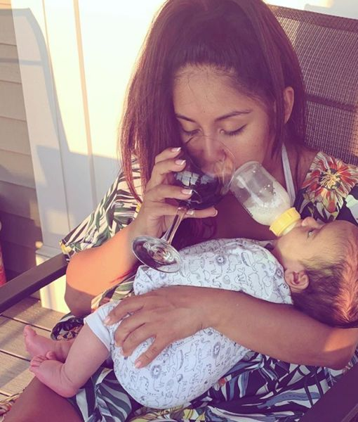 Snooki on Feeding Baby While Drinking Wine: 'Let a Mawma Live'