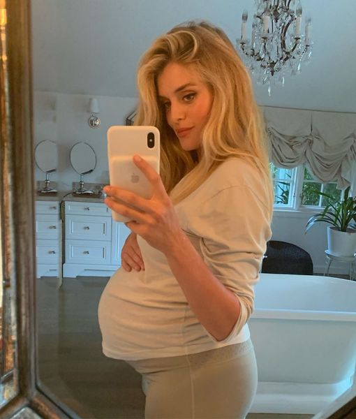 Daphne Oz Welcomes Baby #4 — Find Out Her Name!
