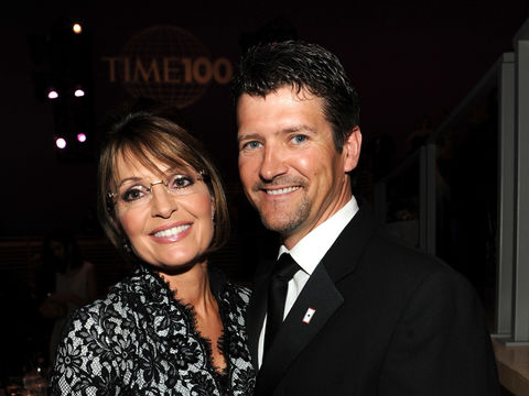 Sarah & Todd Palin Finalized Divorce Earlier This Year After 31 Years of Marriage