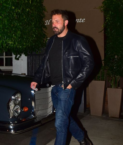 Ben Affleck Spotted with Steve Jobs' Widow Lauren Powell, Plus: More Top…