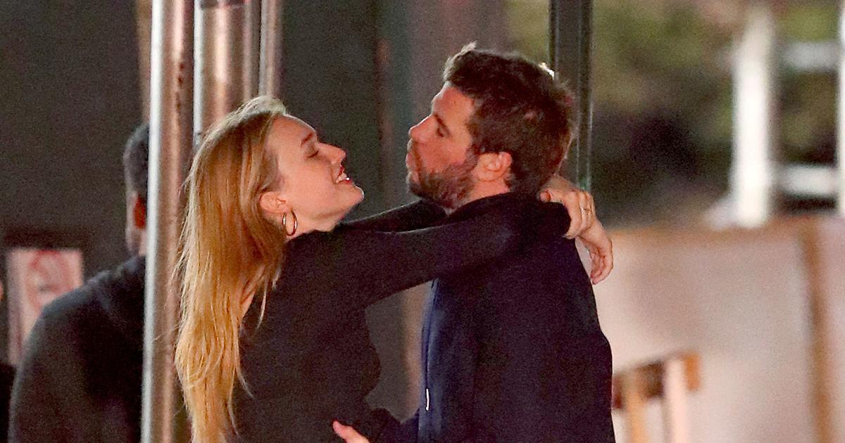 on Liam Hemsworth dating Miley Cyrus 2015 Mistä tiedät, jos rakastat joku ei dating