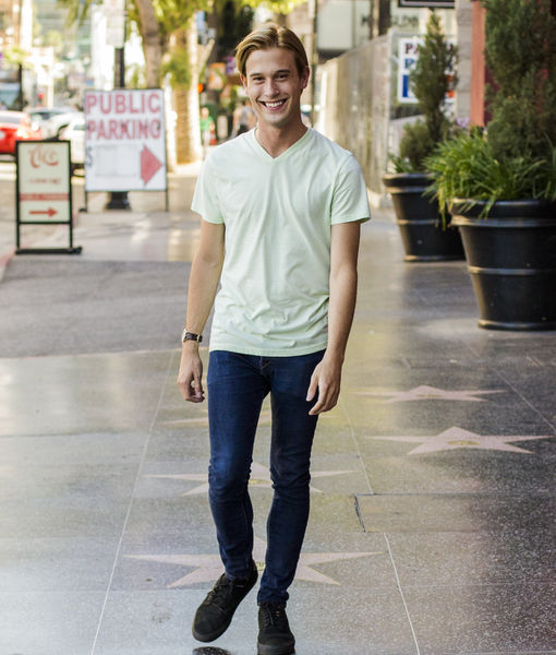 Tyler Henry Takes the Stage at Agua Caliente Resort's Concert Theatre The Show