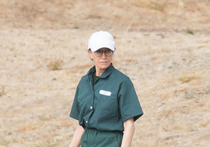 First Pic of Felicity Huffman in Prison Jumpsuit