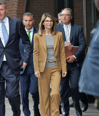 Lori Loughlin & Mossimo Giannulli Agree to Plead Guilty in…