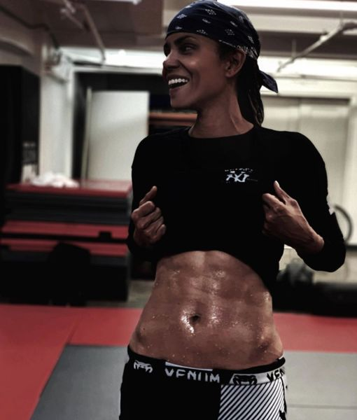 Halle Berry Shows Off 'Ripped Abs' in New Instagram Pic