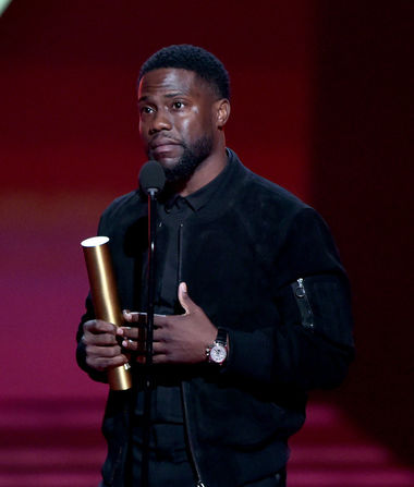 Kevin Hart Makes First Public Appearance Since Car Crash