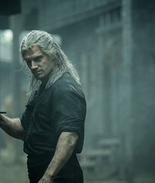 Henry Cavill Dishes on 'The Witcher,' Plus: He Talks Superman and Bond…