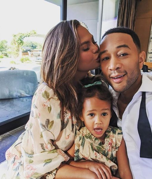 Christmas Surprise! See John Legend & Chrissy Teigen's Daughter Luna…