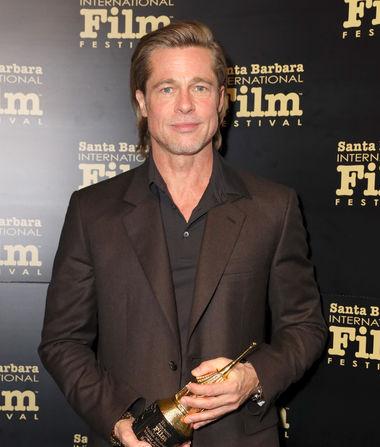 Brad Pitt Sets the Record Straight on His Tinder Profile