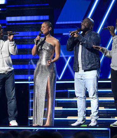 Alicia Keys & Boyz II Men Pay Tribute to Kobe Bryant at Grammys…