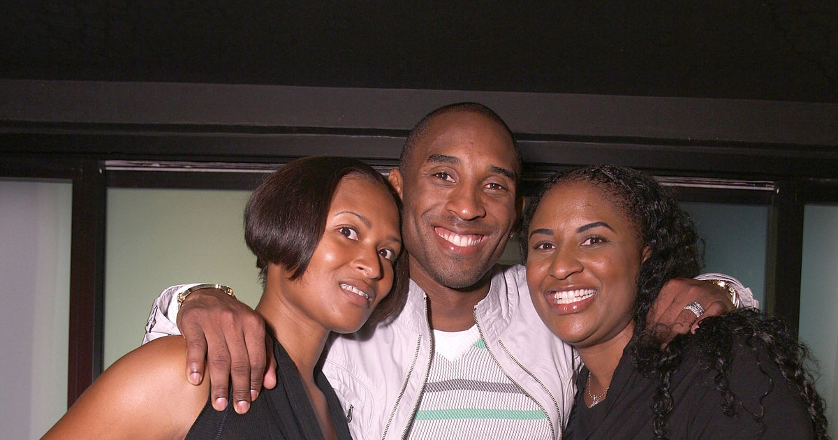 How Kobe Bryant S Sister Sharia Is Honoring Him After Public Memorial Extratv Com
