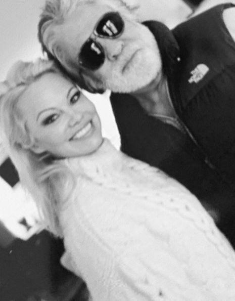 Pamela Anderson & Jon Peters Split 12 Days After 'I Dos'