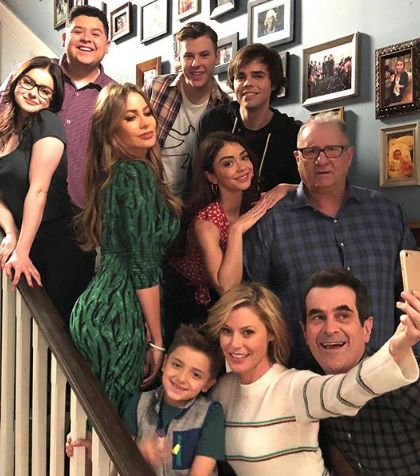 'Modern Family' Cast Emotionally Captures Last Day of Filming