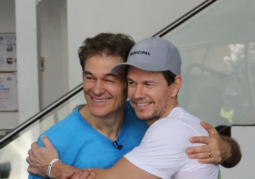 Mark Wahlberg Talks Push-Up Challenge with Dr. Oz, His Plant-Based Diet, and…