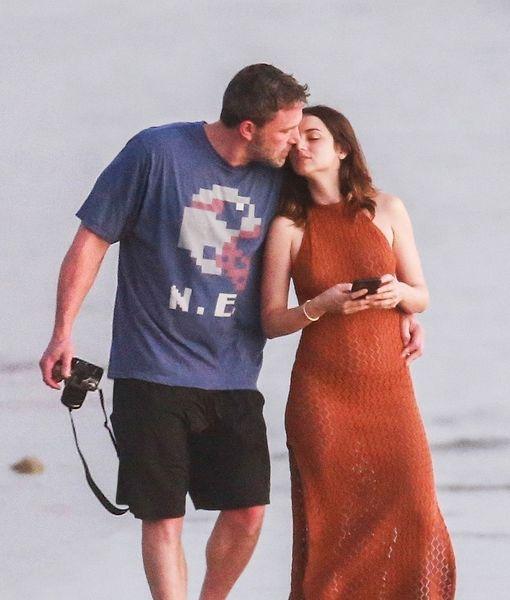 Ben Affleck & Ana de Armas' Hot New Romance Heats Up Costa Rica
