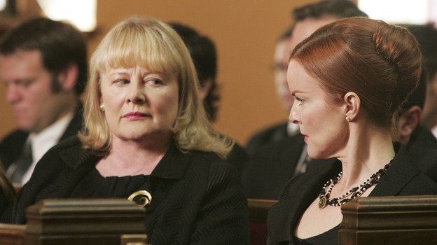 shirley-knight-marcia-cross-desperate-housewives-abc