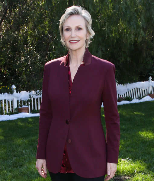 Jane Lynch Talks Life Under Quarantine, Her 60th Birthday, and 'Hollywood…