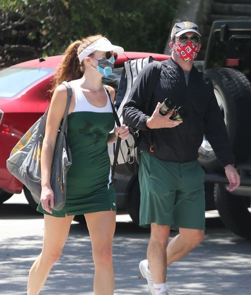 Is Jon Hamm Dating 'Mad Men' Co-Star Anna Osceola?