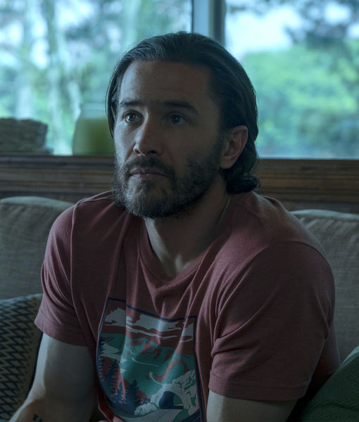 'Ozark's' Tom Pelphrey & Janet McTeer Share Fun Facts About Jason…