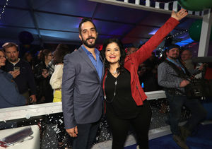 Food Network Star Alex Guarnaschelli Engaged — See Her Ring!