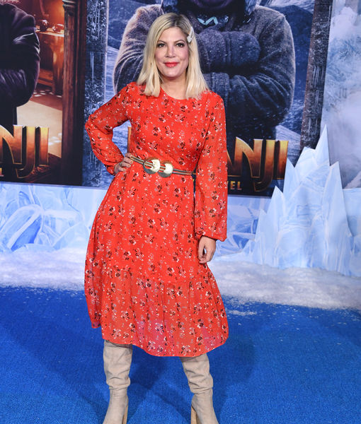 Tori Spelling's 'Think Like a Dog' Family Movie Night!