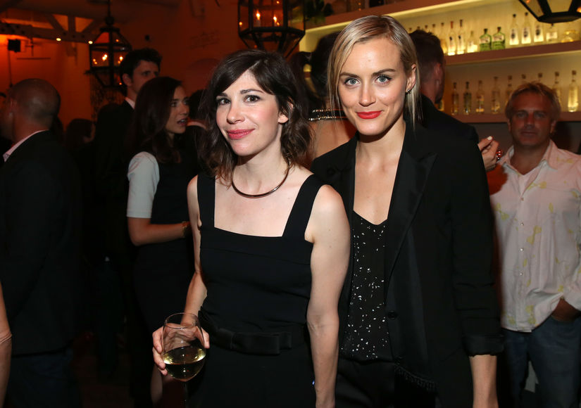 taylor-schilling-carrie-brownstein-GettyImages-454056954