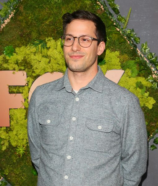 'Palm Springs' Star Andy Samberg Talks Life Under Quarantine, Plus:…