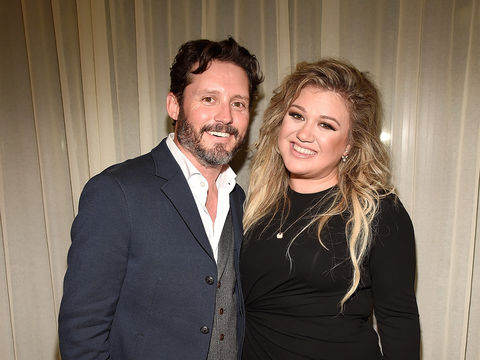 Kelly Clarkson Says Divorce Is 'Worst Thing Ever,' Calls Her Life a 'Little Bit of a Dumpster'