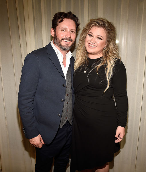 Kelly Clarkson Says Divorce Is 'Worst Thing Ever,' Calls Her Life a…