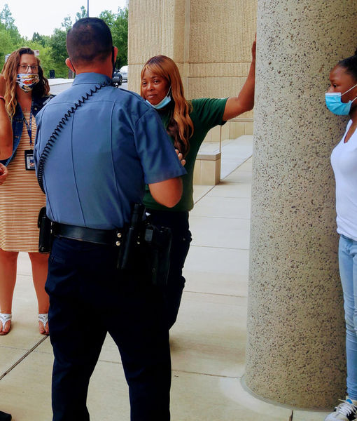 Woman Donates Lottery Winnings to Wounded Officer, then Police Return the…