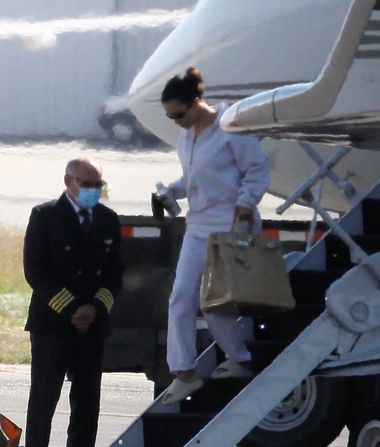 Kim Kardashian Returns to L.A. After Reportedly Making This Plea to…