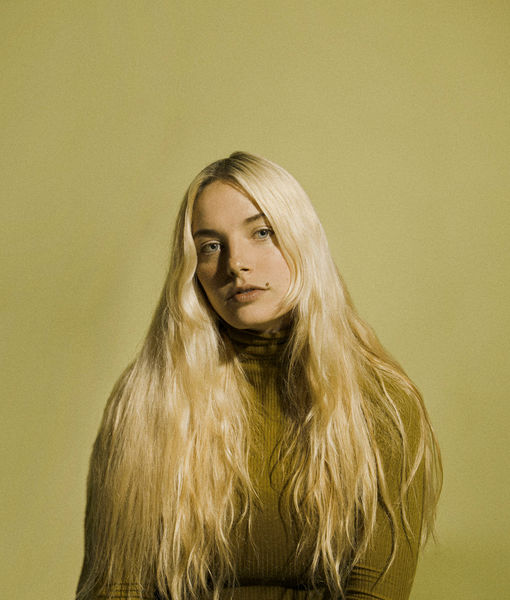 Singer Ashe Reflects on Her Music, Career, and Working with Finneas O'Connell…
