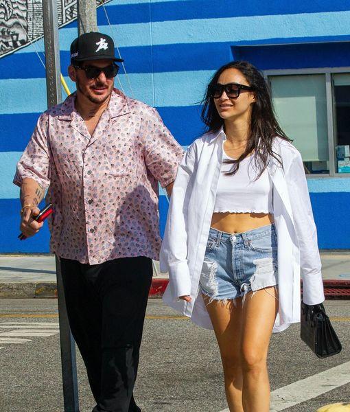 Pics! Cara Santana Is Dating Famous Rocker Shannon Leto After Jesse Metcalfe Split
