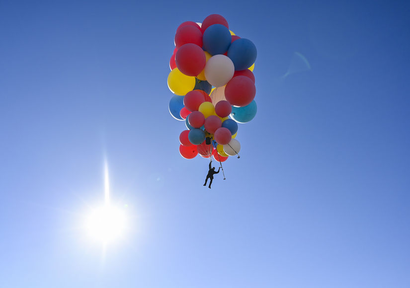 'Up' and Away! David Blaine Floats Away on Balloons in Death-Defying Stunt