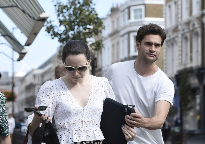 Are Daisy Ridley & Tom Bateman Secretly Married?
