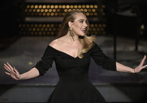 Adele Cracks Up on 'SNL,' Shows Off New Figure