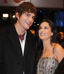 Demi Moore loves to Twitter about Ashton