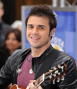 American Idol's Kris Allen will sing the national anthem at the NBA finals