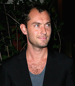 jude law to become a father again
