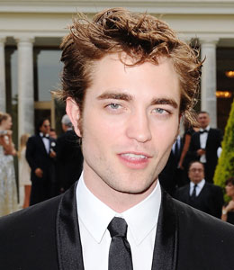 Robert Pattinson says he's a single man