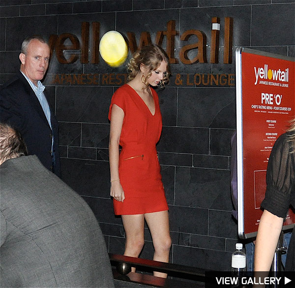 Taylor Swift dines at Yellowtail in Las Vegas