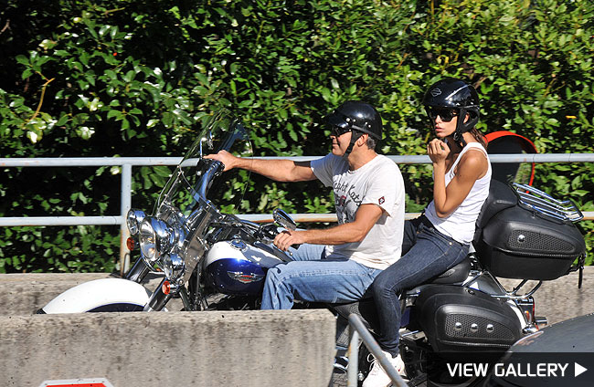 george clooney rides with elisabetta canalis