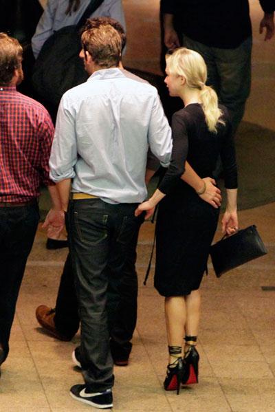 It's on for Bradley Cooper and Renée Zellweger