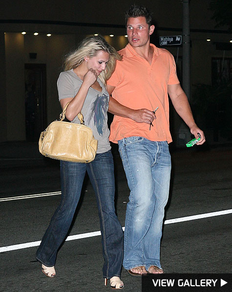 nick lachey steps out with mystery girl