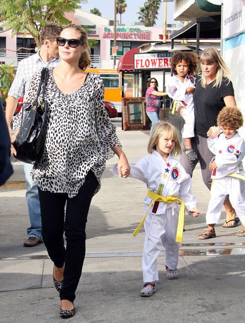 Heidi Klum picks up kids from karate
